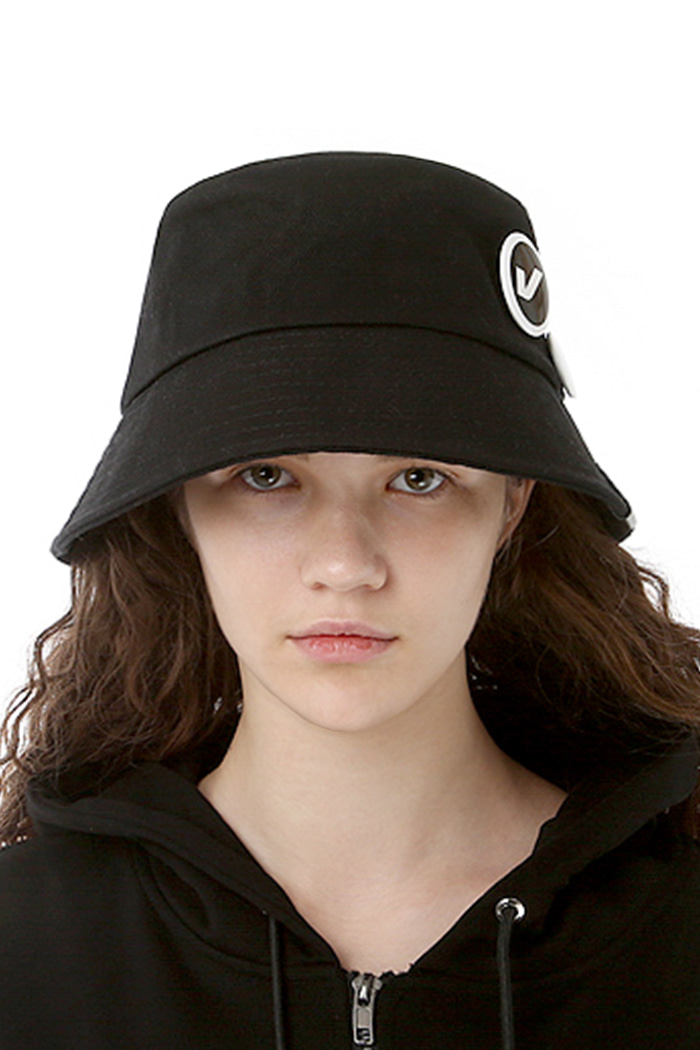 CIRCLE BUCKET HAT (BLACK)
