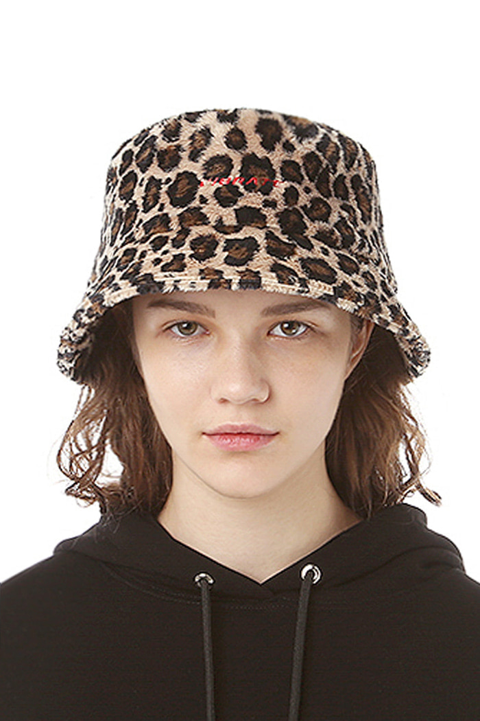BASIC LOGO LEOPARD BUCKET HAT