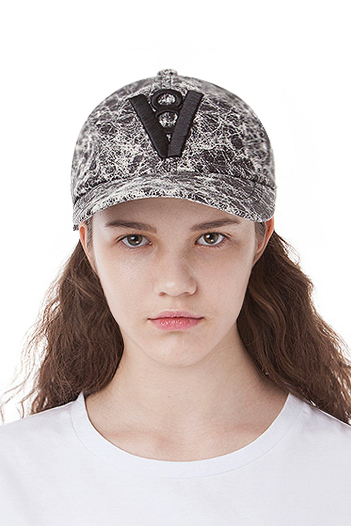 CRACK LEATHER BALL CAP (GRAY)