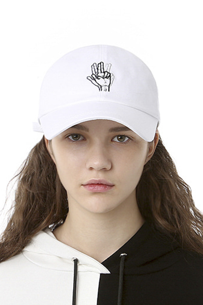 CLASSIC HAND SIGN BALL CAP (WASHING WHITE)