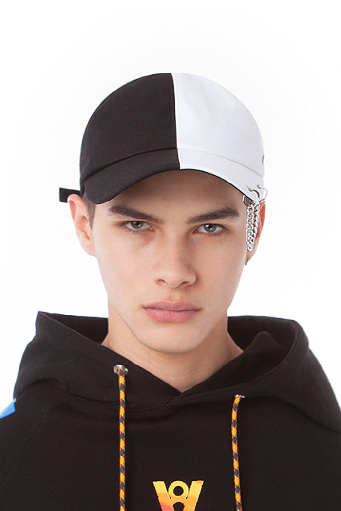 BASIC CHAIN SPLIT BALL CAP (BLACK & WHITE)