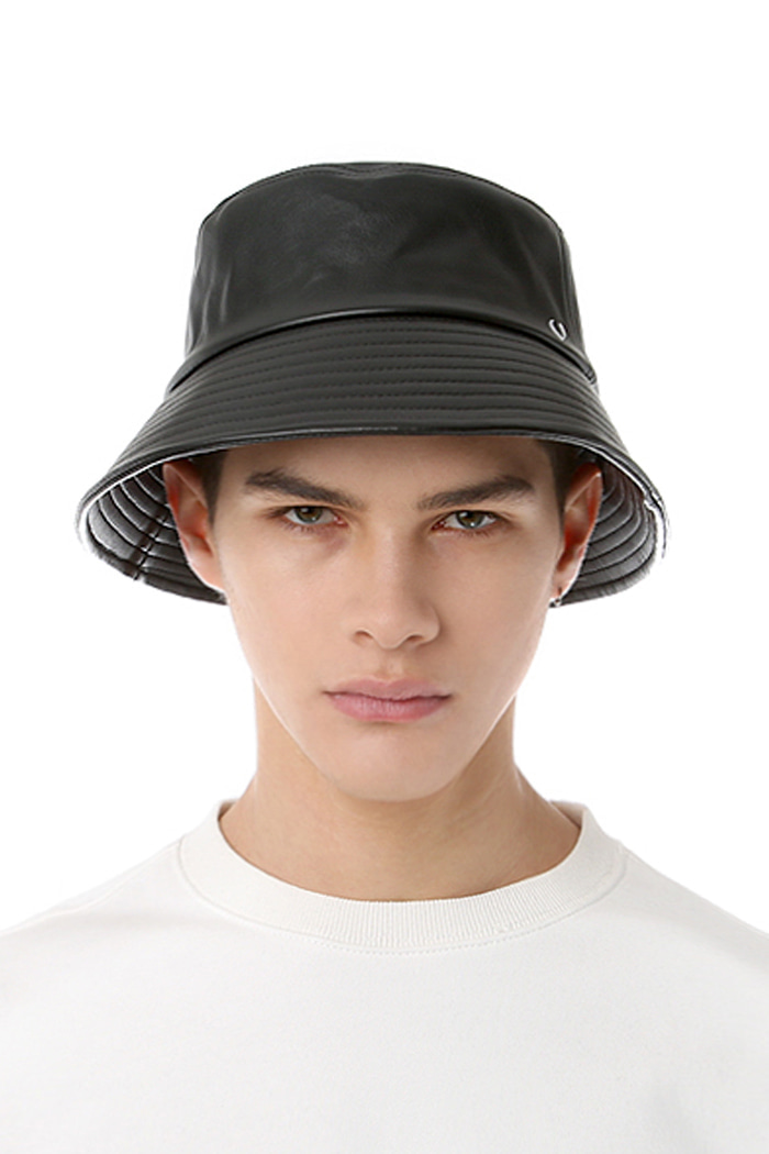 SOFT LEATHER BUCKET HAT (BLACK)